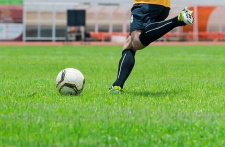 تمرین شوت زدن فوتبال